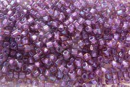 Lila, szivárványos, festett közepű- TOHO cube kockagyöngy 3mm